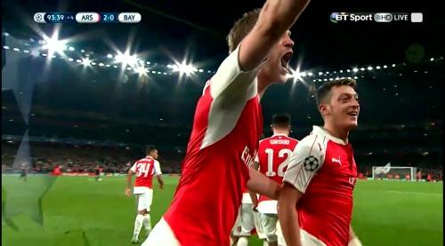 Mesut Özil & Per Mertesacker – Arsenal v Bayern 4