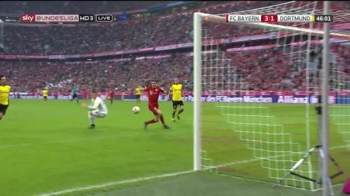 Robert Lewandowski – 1st goal – Bayern v Dortmund 10