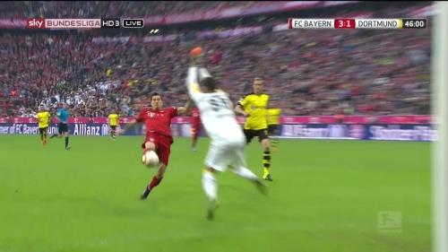 Robert Lewandowski – 1st goal – Bayern v Dortmund 8