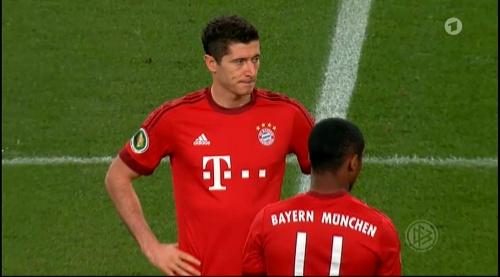 Robert Lewandowski – Wolfsburg v Bayern (DFB Pokal 15-16) 4