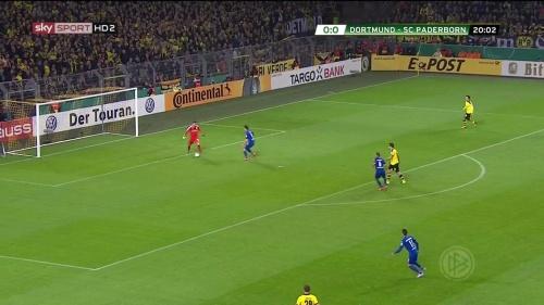 Roman Bürki – Dortmund v Paderborn – DFB Pokal 15-16 1
