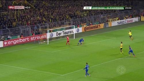 Roman Bürki – Dortmund v Paderborn – DFB Pokal 15-16 3