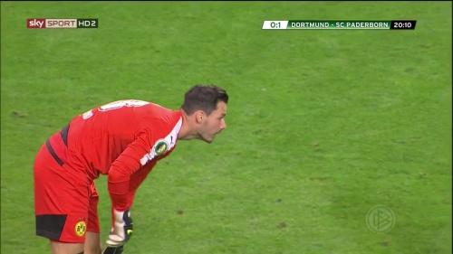Roman Bürki – Dortmund v Paderborn – DFB Pokal 15-16 4