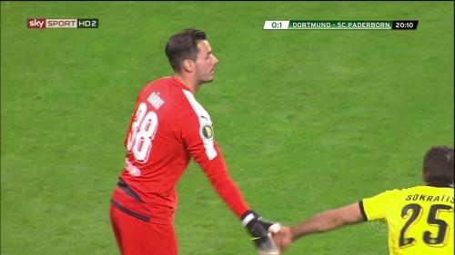 Roman Bürki – Dortmund v Paderborn – DFB Pokal 15-16 5