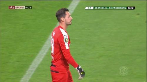 Roman Bürki – Dortmund v Paderborn – DFB Pokal 15-16 6