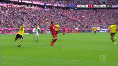 Thomas Müller – 1st goal – Bayern v Dortmund 14