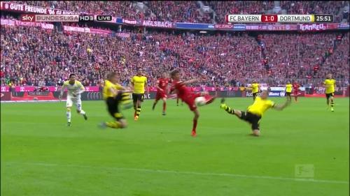 Thomas Müller – 1st goal – Bayern v Dortmund 15
