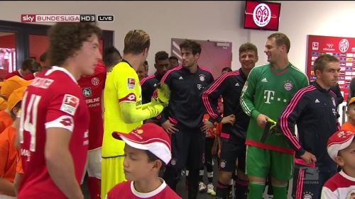 Thomas Müller, Manuel Neuer & Philipp Lahm – Mainz v Bayern 4