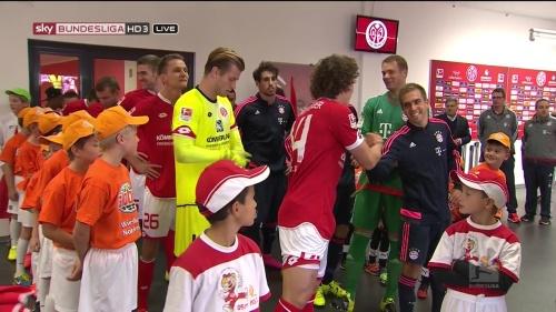 Thomas Müller, Manuel Neuer & Philipp Lahm – Mainz v Bayern 6