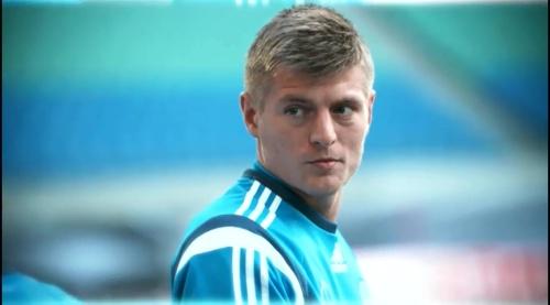 Toni Kroos – training in Leipzig 1