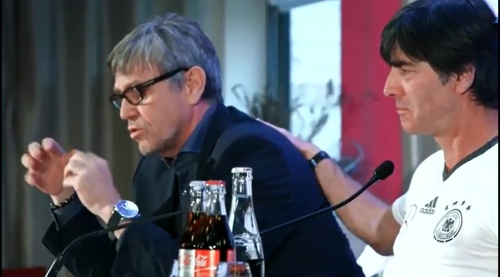 Joachim Löw - Ankunft in Paris 6