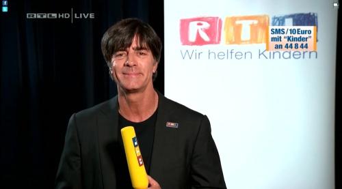 Joachim Löw - Wir helfen Kindern 2015 22