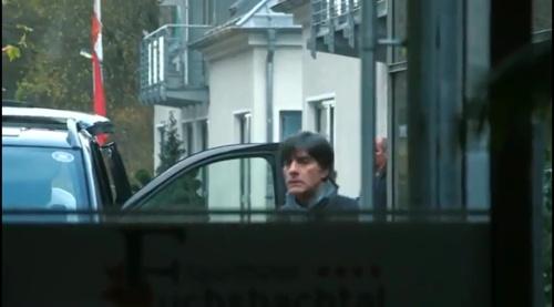 Joachim Low - Ankunft der Mannschaft in Barsinghausen 2