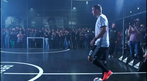 Lukas Podolski – Trikot Launch in Berlin 6