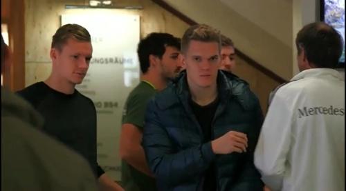 Matthias Ginter - Ankunft der Mannschaft in Barsinghausen 2
