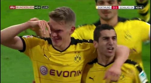 Matthias Ginter - BVB v S04 12