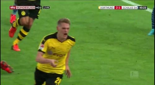 Matthias Ginter - BVB v S04 25