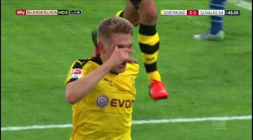 Matthias Ginter - BVB v S04 28