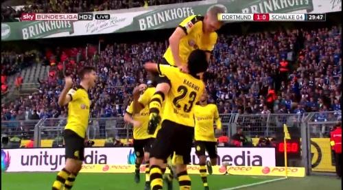 Matthias Ginter - BVB v S04 3