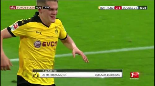Matthias Ginter - BVB v S04 30