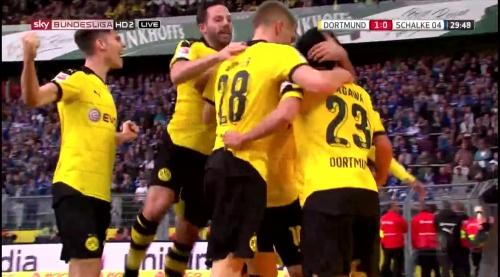 Matthias Ginter - BVB v S04 4