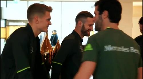 Matthias Ginter & Shkodran Mustafi – Ankunft in München 2