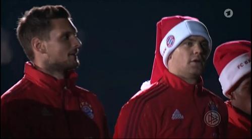 Manuel Neuer - Santa hat 6