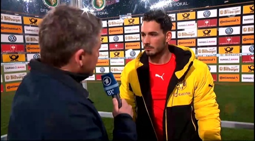 Roman Bürki - Augsburg v Dortmund - DFB Pokal 4