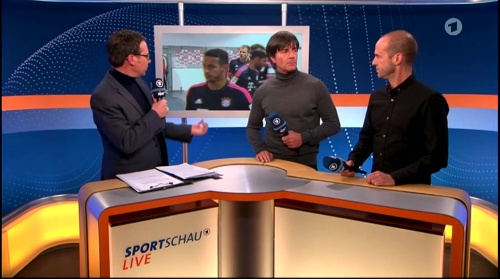 Joachim Löw ARD half-time interview – HSV v FC Bayern München 2015-16 10