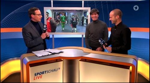 Joachim Löw ARD half-time interview – HSV v FC Bayern München 2015-16 15