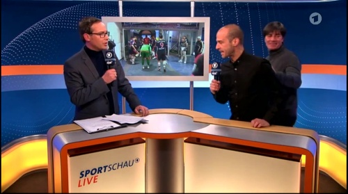 Joachim Löw ARD half-time interview – HSV v FC Bayern München 2015-16 16