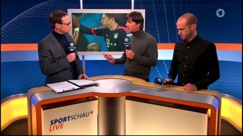Joachim Löw ARD half-time interview – HSV v FC Bayern München 2015-16 6