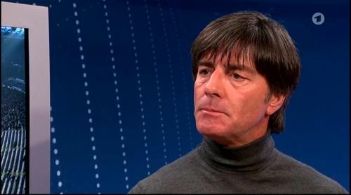 Joachim Löw ARD half-time interview – HSV v FC Bayern München 2015-16 7