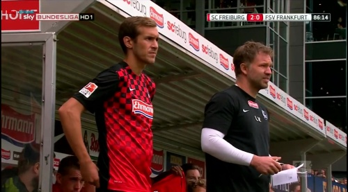Julian Schuster – SC Freiburg v FSV Frankfurt 1