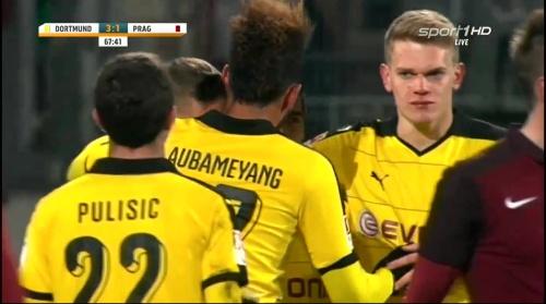 Matthias Ginter - Dortmund v Sparta Prague 10