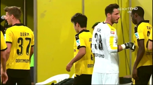 Roman Bürki - Borussia Dortmund v Jeonbuk Hyundai Motors 3