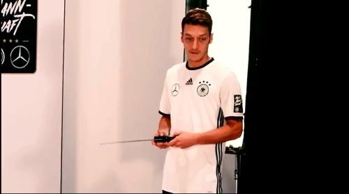 Mesut Özil - making of Mercedes ad 1