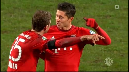 Robert Lewandowski & Thomas Müller – Bochum v Bayern 4