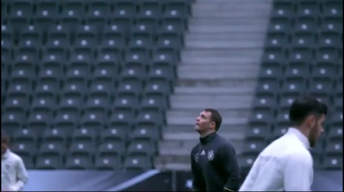 Manuel Neuer - Abschlusstraining in Berlin 2