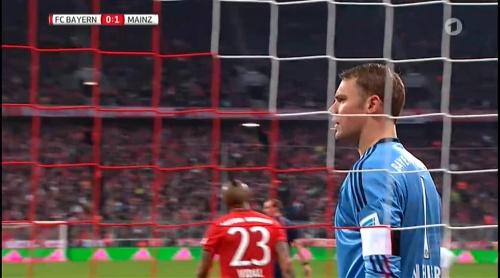 Manuel Neuer – Bayern München v Mainz 13
