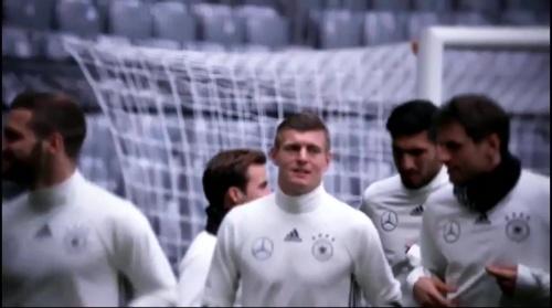Toni Kroos - Abschlusstraining in München