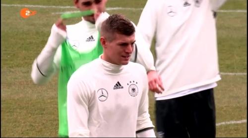 Toni Kroos - ZDF Heute 2 – 24-03-16