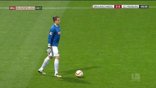 Alexander Schwolow – Braunschweig v SC Freiburg 2