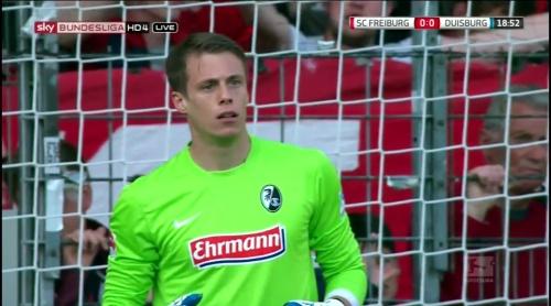 Alexander Schwolow – Freiburg v Duisburg 1