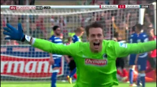 Alexander Schwolow – Freiburg v Duisburg 2