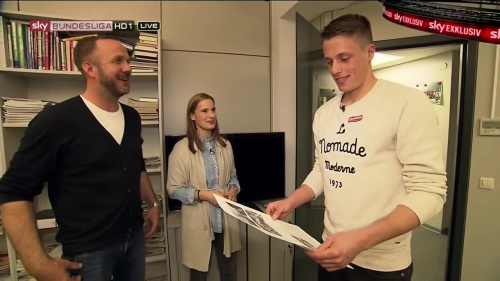 Alexander Schwolow – pre-match show – SC Freiburg v KSC 4