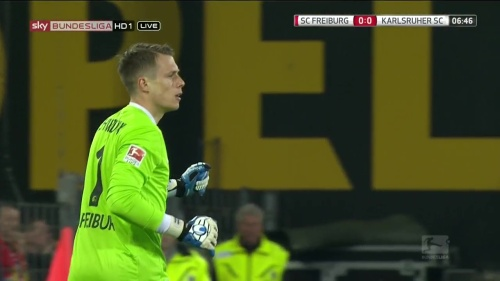 Alexander Schwolow – SC Freiburg v KSC 1