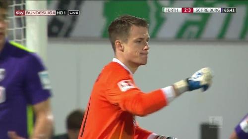 Alexander Schwolow - Greuther Fürth v SC Freiburg 12