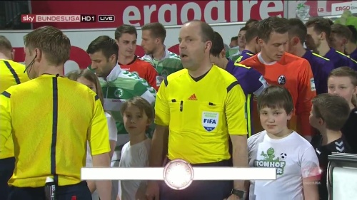 Alexander Schwolow - Greuther Fürth v SC Freiburg 2