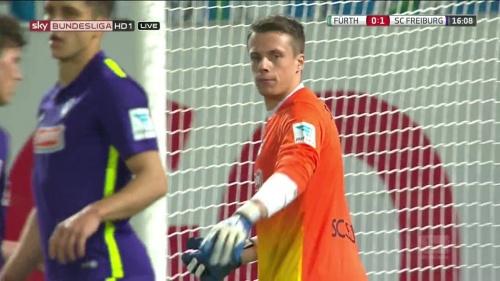 Alexander Schwolow - Greuther Fürth v SC Freiburg 4